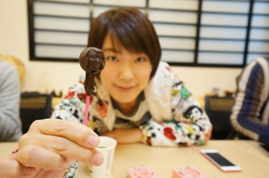chocolate-face-Japan-550x364