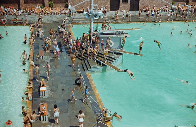 enjoying-the-pool-at-jones-beach-state-b-anthony-stewart