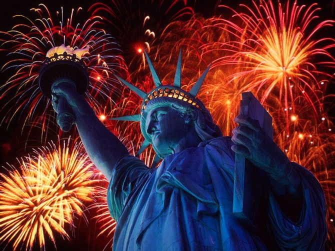 blog-firework-statue-of-liberty