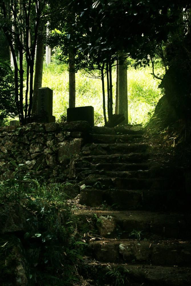 Takeda Castle graveyard