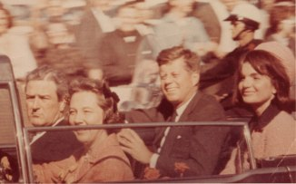 JFK-jackie-and-JFK_Unidentified-Photographer-ftr